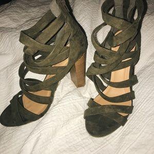Wet Seal green suede high heels ... size 7!